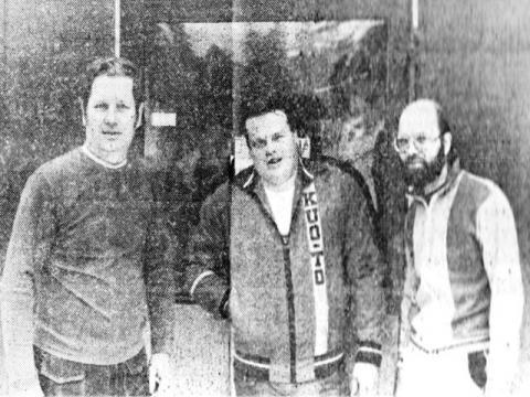 Virolahden Tennisseuran tärkeät hahmot: (vas) Juhani Syrjälä, Esko Korsu ja Pekka Kaitila.